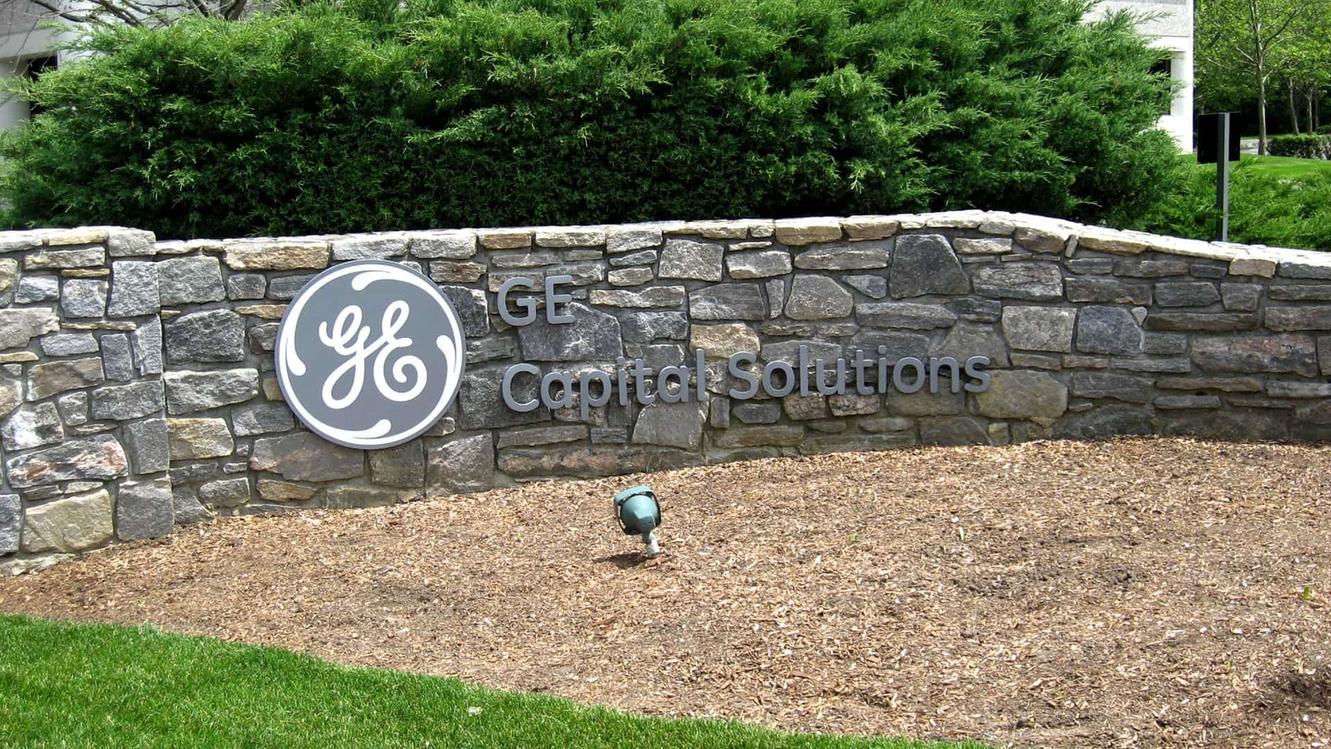 GE Capital Solutions - Exterior Signs - Monument Signs