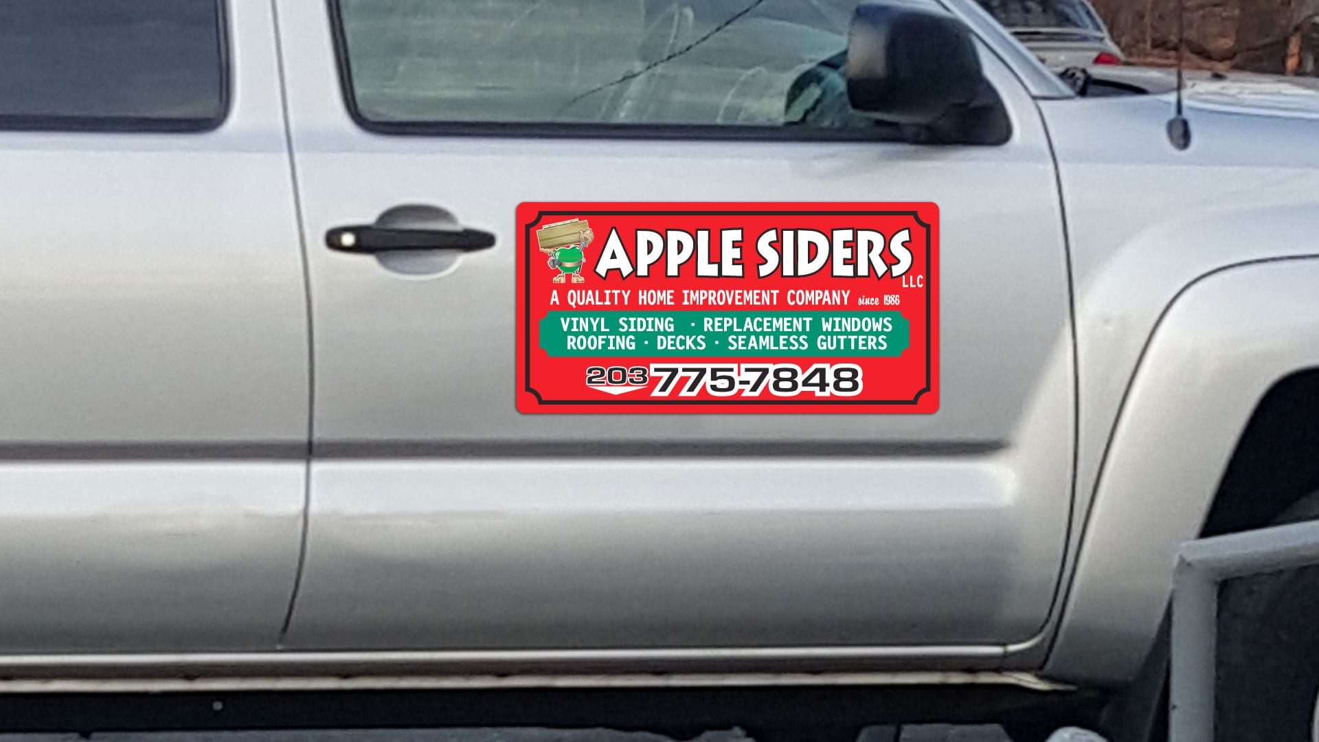Custom car magnet for Apple Siders