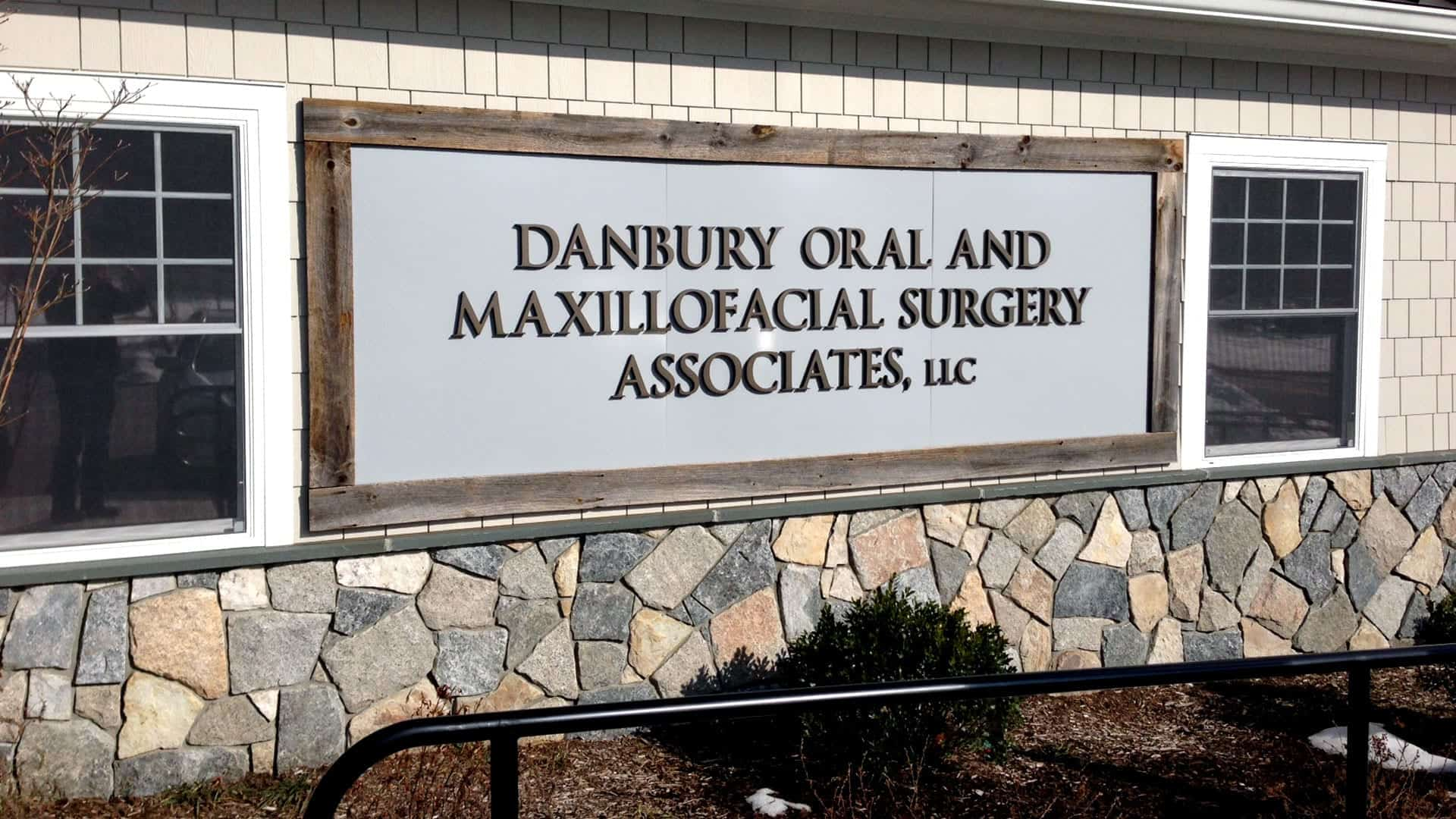 Danbury Oral and Maxillofacial Surgery - Exterior signs - Dimensional Lettering Signs