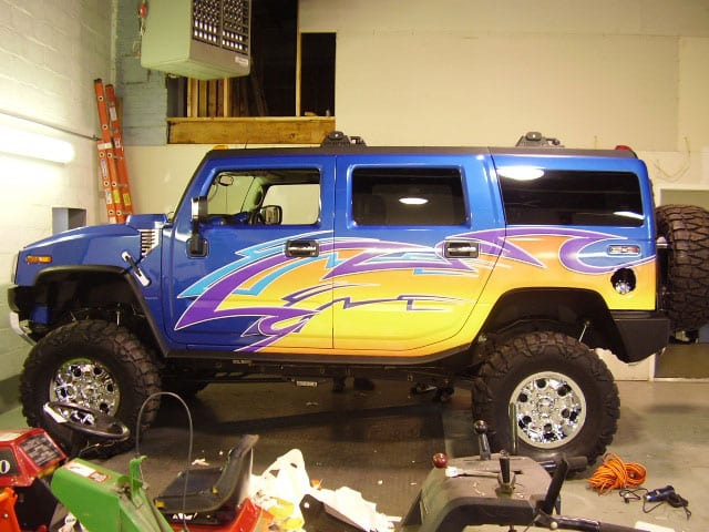 Partial vehicle wrap on an SUV
