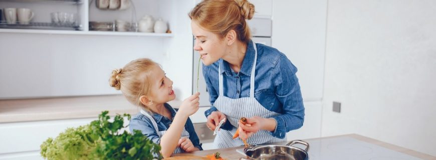 How to Promote Healthy Eating During Adolescence